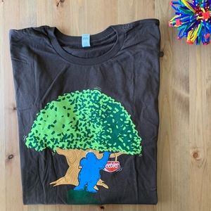 NWOT Brown Tee: Cookie Monster at Keebler Elf Tree